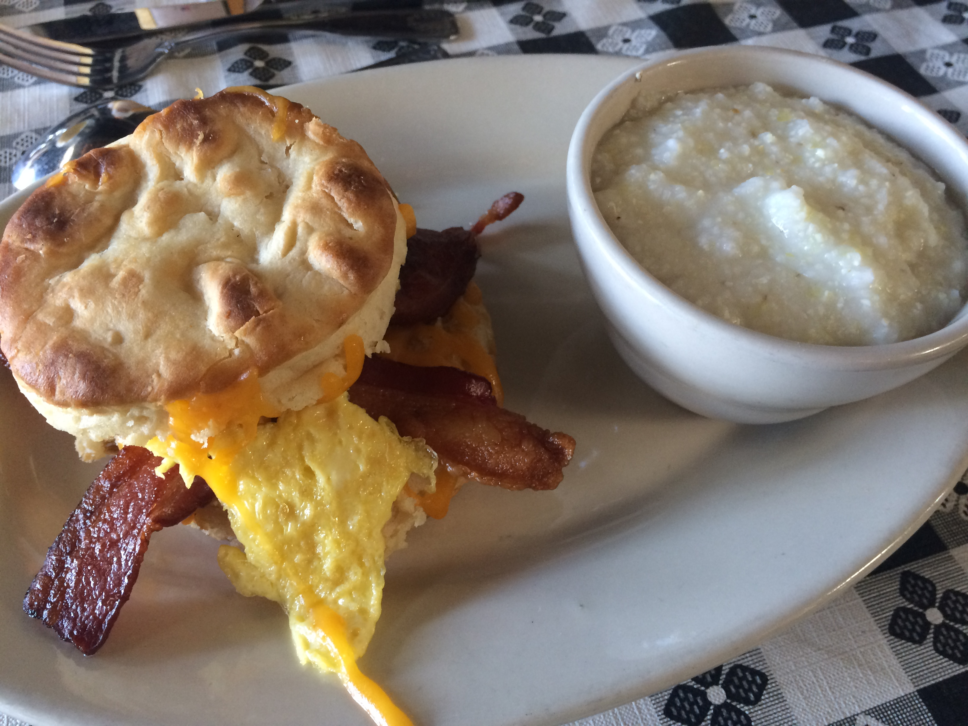 Stuffed Biscuit 'n Grits